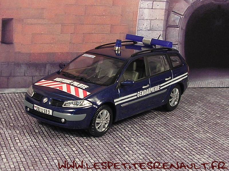 les petites renault megane break gendarmerie 2002. Black Bedroom Furniture Sets. Home Design Ideas