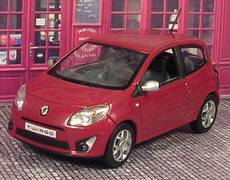 les petites renault renault twingo. Black Bedroom Furniture Sets. Home Design Ideas